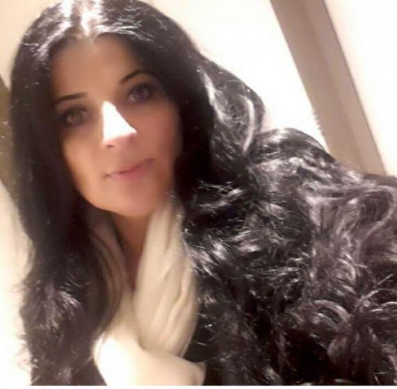 38 year old woman single