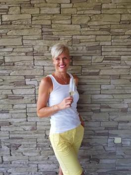 Andrea (Czech Republic, Ostrava - 38 Years)