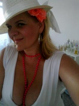 Miroslava (Czech Republic, Zlín - 52 Years)